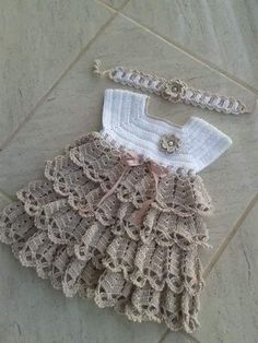 Crochet pink and gray baby dress set with rosebuds comes with How To Crochet Baby Booties Sandals - Free Crochet Patterns ✔ c - Salvabrani Image gallery – Page 397231629632509971 – Artofit No pattern :/el isi Baby Girl Crochet, Crochet Baby Clothes, Baby Patterns, Knitting Patterns, Crochet Patterns, Vestidos Bebe Crochet, Knit Baby Dress, Creation Couture, Crochet Diagram