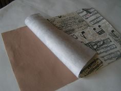 Březen měsíc knihy: návod na textilní obal na knihu   Korálky.stoklasa.cz Personalized Items, Sewing, Patchwork Designs, Bags, Dressmaking, Couture, Stitching, Sew, Costura