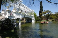 Bosques de Palermo. You Guide to the Palermo Lakes / Woods