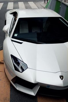 Automobil -