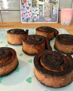 """Inzulinrezisztens Receptek on Instagram: """"KAKAÓS CSIGUSZ/RECEPT⬇️⬇️⬇️ Hozzávalók:  A tésztához:  25 dkg túró (félzsíros, rögös)  0,5 dl víz  1 csipet só  fél  csomag sütőpor  20 dkg…"""" Muffin, Cookies, Breakfast, Instagram, Food, Kochen, Biscuits, Morning Coffee, Muffins"""
