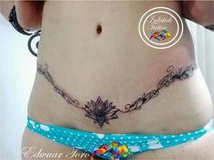 Tatouage sur cicatrice Hot Tattoos, Girl Tattoos, Tattoos For Women, Tattoos To Cover Scars, Cover Tattoo, Intim Tattoo, Tummy Tuck Scar Tattoo, Crotch Tattoos, Abdomen Tattoo