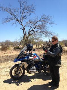 .: Documentário registra o chef Claude Troisgros em viagem de moto por cidades à margem do Rio São Francisco