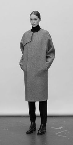 Cool coat - simple but very chic! hyke FW14