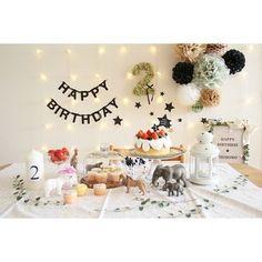 お誕生日のお祝いに♪シックな色味のペーパーポンポンに淡いブルーがアクセントになっています。空間のコーディネートがとても素敵です。 Birthday Photo Banner, 2nd Birthday Party Themes, Picnic Birthday, Birthday Goals, Baby Boy Birthday, Birthday Images, Boy Birthday Parties, Birthday Balloons, Birthday Decorations