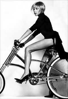 Love the lines of the bike with fashion