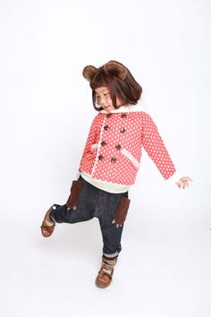 [MoL] is famous Independent kids brand in Japan, It's designed by The two-person group of a toy designer and a children's-clothes designer .Love the coat! Little Girl Fashion, Kids Fashion, Toddler Outfits, Kids Outfits, Kids Girls, Baby Kids, Japanese Kids, Inspiration Mode, Kids Branding