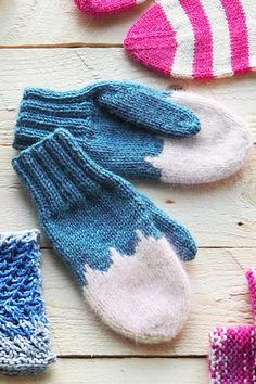 Ravelry: Barnvantar pattern by Novita knits Knitted Mittens Pattern, Knitted Gloves, Knitting Socks, Baby Knitting, Knitting Patterns, Baby Mittens, Vogue Knitting, Textiles, Yarns