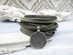 Wickelarmbänder - Wickelarmband 3-fach ★ Leder ★ oliv Münze - ein Designerstück…