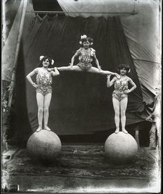 Collection of Vintage Circus Pictures Vintage Circus Performers, Vintage Circus Photos, Vintage Carnival, Vintage Pictures, Vintage Photographs, Old Pictures, Vintage Images, Old Photos, Old Circus