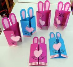 So cute!!!!!!!!!!! Lovely arts & crafts for Easter