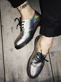 The 1461 Iced Metallic shoe, worn by jackstrify. Doc Martens Outfit, Doc Martens Boots, White Doc Martens, Martens Style, Metallic Shoes, Shoe Company, Prom Shoes, Designer Boots, Sock Shoes