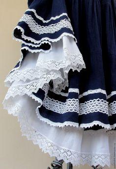Купить или заказать Юбка летняя синяя Бохо для Елены в интернет-магазине на Ярмарке Мастеров. Легкая, нежная, невесомая юбка в бохо-стиле. Исполнена из тонкой импортной марлевки темно-синего цвета. Украшена несколькими видами натурального хлопкового кружева. Нижняя юбка из тонкого, мягкого хлопка , приятного к телу. Эффект контрастного синего синего цвета в сочетании с белым кружевом усиливается белоснежной нижней оборкой. Пояс на резинке - легко регулируется на любой размер.…