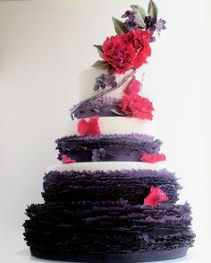 9 Crazy Beautiful Wedding Cakes. To see more: www.modwedding.com