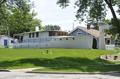 Milwaukee Area Parks: Fascinating Front Yards and Garden Tours