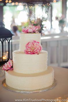 Spring Wedding Cake   www.KimTruelovePhotography.com