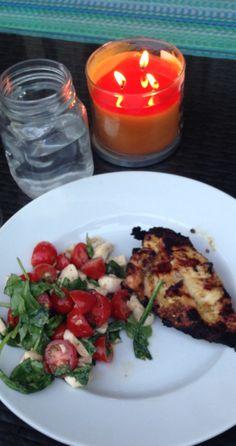 Arugula, tomato, mozzarella and grilled chicken marinated in lemon juice and olive oil :)