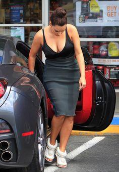 Kim Kardashian had a 3way with a man porn star - Sexy Celebrity Gossip Photos