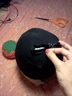 Make wig cap / yarn wig Clown Costume Women, Clown Wig, Costumes For Women, Dr Seuss Crafts, Yarn Wig, Living Statue, Wig Making, Wig Cap, Costume Accessories