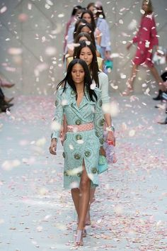 Burberry spring summer 2014 finale