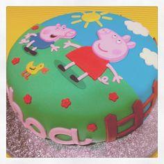 Peppa Pig Cake Fondant Cakes, Cupcake Cakes, Pig Cakes, Pig Birthday Cakes, 3rd Birthday, Birthday Ideas, Tortas Peppa Pig, George Pig Cake, Character Cakes