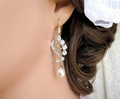 BRIDAL EARRINGS Gold Crystal Pearl Wedding earrings by CherryHills
