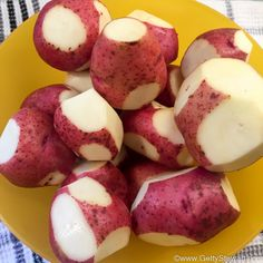 How to Dehydrate Potatoes for Multi Use - Getty Stewart Dehydrate Potatoes, Dried Potatoes, Shredded Potatoes, Peeling Potatoes, Scalloped Potatoes Au Gratin, Scalloped Potato Recipes, Dehydrator Recipes, Food Processor Recipes, Frozen Hashbrowns