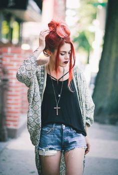 love everything about this outfit and hair!!! <3