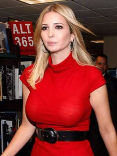 So, how well Ivanka Trump plastic surgery was perfomed? Ivanka Marie Trump, Ivanka Trump Photos, Ivanka Trump Style, Jolie Lingerie, Actrices Hollywood, Plastic Surgery, Sexy Legs, Donald Trump, Boobs