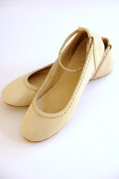 Elf flats in cream