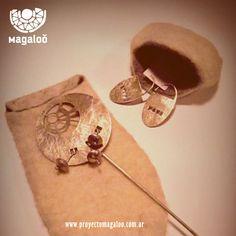 Tupu o pincho para poncho en juego con aros de alpaca - www.proyectomagaloo.com.ar