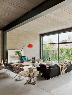 Living com Luminária Laranja. Arquiteto: Jan Dendievel. Fotógrafo: Di Verne - Elle IT.