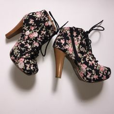 ◾️Charlotte Russe ankle boots⬛️ These boots are adorable! I wore these once on vacation and I got so many compliments! Black foral print is very eye-catching and super fun to wear! Great condition. They black lace all the way up. Five inch heels. Charlotte Russe Shoes Ankle Boots & Booties