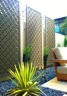 90+ Low Maintenance Front Yard Landscaping Ideas #lowmaintenancelandscapefrontyard #lowmaintenancelandscapeideas