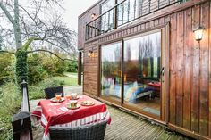 xx best homes made from shipping containers Les containers chambre rouge - Saintry-sur-Seine, Île-de-France, France https://www.airbnb.co.uk/rooms/1849125 Credit: Airbnb