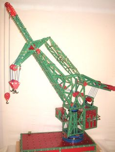 Meccano and Compatible Parts Hobby Toys, Toy 2, Model Train Layouts, Tin Toys, My Childhood Memories, Model Trains, Little Sisters, Historical Photos, History