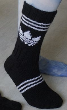 Kaksinkasin: Addusukkaa Wool Socks, Knitting Socks, Crochet Doilies, Knit Crochet, Adidas, Knitting Accessories, Marimekko, African Fashion, Quilt Blocks