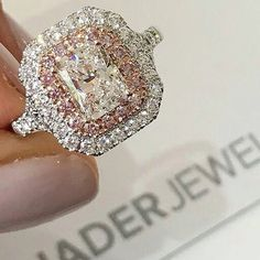 You are going to buy this? Diamond Jewelry Top 10 Princess Cut Engagement Rings 35 Pieces Of Gorgeous Jewelery gold diamond cut beaded Bling Bling, Ring Set, Ring Verlobung, Dream Ring, Diamond Are A Girls Best Friend, Beautiful Rings, Wedding Engagement, Solitaire Engagement, Solitaire Diamond