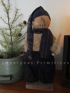 NEW Primitive Winter Christmas Standing by SweetpeasPrimitives