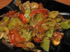 Legume la cuptor Sprouts, Vegan Recipes, Stuffed Peppers, Vegetables, Food, Crafts, Meal, Stuffed Pepper, Essen