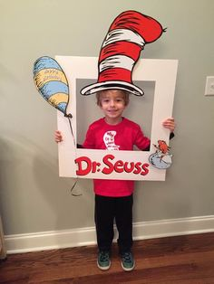 Newest Free of Charge dr seuss preschool activities Ideas With regards to planning playful understanding things to do with regard to very young children, it isn't really just Dr. Seuss, Dr Seuss Week, Dr Seuss Party Ideas, Dr Seuss Birthday Party, Birthday Board, Dr Seuss Crafts, Preschool Activities, Dr Seuss Preschool Art, Preschool Door