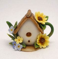 1/12TH scale   Birdhouse with sunflowers teapot  by Lory by 64tnt