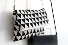 Ravelry: Triforce-iltalaukku pattern by Molla Mills