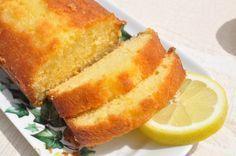 Si vous êtes un inconditionnel des desserts au citron, cette recette de cake très simple et rapide à faire va certainement beaucoup vous plaire.  @cakechooser Rapide et très facile &agra...