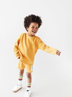 Basic Outfits, Cute Outfits For Kids, Baby Boy Outfits, Toddler Fashion, Boy Fashion, Colorful Hoodies, Summer Boy, Kids Shorts, Kid Styles