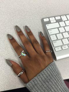 Classy nails colors for dark skin Super Ideas Dark Skin Nail Polish, Dark Skin Nail Color, Colors For Dark Skin, Nail Polish Colors, White Nail Polish, Classy Nails, Trendy Nails, Cute Nails, Simple Nails