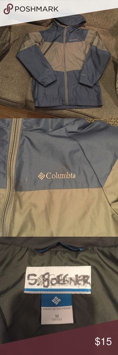 Size 10/12 EUC Columbia windbreaker jacket Size 10/12 EUC Columbia windbreaker jacket.  Has name written on tag.bundle 3 items $15 or under and I will accept an offer of $15 total for all three!!  Only items $15 and under are included in this sale.  Thank you!   Columbia Jackets & Coats