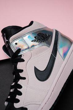 "Air Jordan 1 Mid W ""Iridescent"" - Deringa Cute Sneakers, Shoes Sneakers, Sneakers Women, Jordans Sneakers, Dorothy Shoes, Jordan Shoes For Women, Sneaker Outfits Women, Nike Air Shoes, Accesorios Casual"