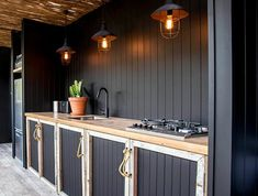 37 Beautiful Modern Outdoor Kitchen Design Ideas - An ever-increasing number of folks love the look, utility, and convenience of an outdoor kitchen space. Professional home improvement contractors can . Modern Outdoor Kitchen, Outdoor Kitchen Cabinets, Outdoor Dining, Kitchen Decor, Kitchen Ideas, Outdoor Bars, Outdoor Kitchens, Earthy Home, Barbecue Area