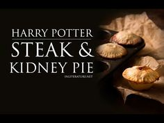 Sweets from Harry Potter are wonderful, but every dinner party needs a savoury dish! Make this individual steak and kidney pie recipe as the main meal. Harry Potter Pumpkin, Harry Potter Food, Mini Pie Pans, Steak And Kidney Pie, Pumpkin Pasties, Pie Tops, Course Meal, Savoury Dishes, Printable Recipe